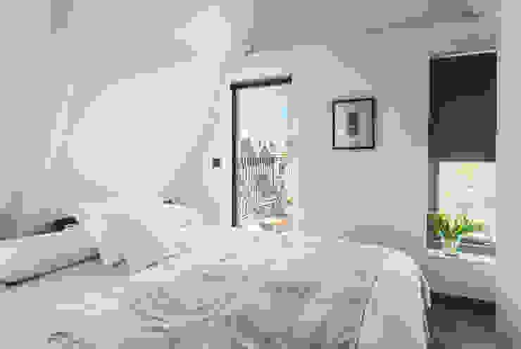 Loft bedroom Dormitorios de estilo moderno de homify Moderno