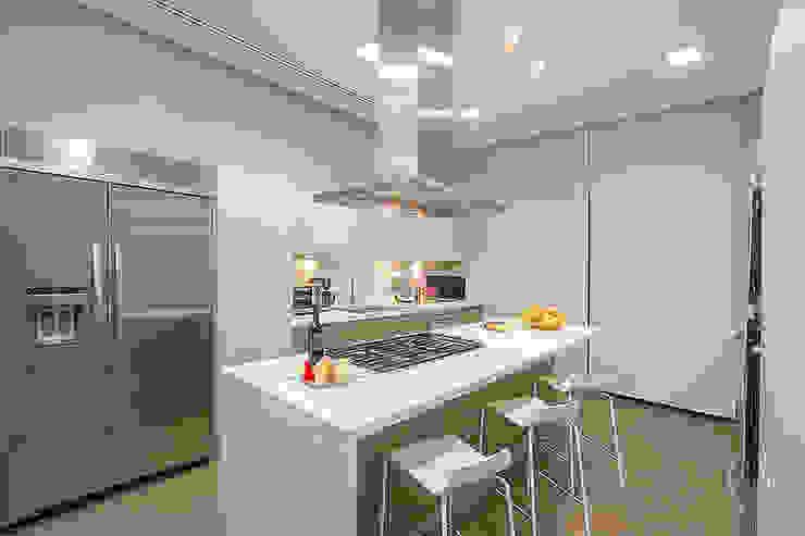 COCINA Cocinas de estilo moderno de Rousseau Arquitectos Moderno