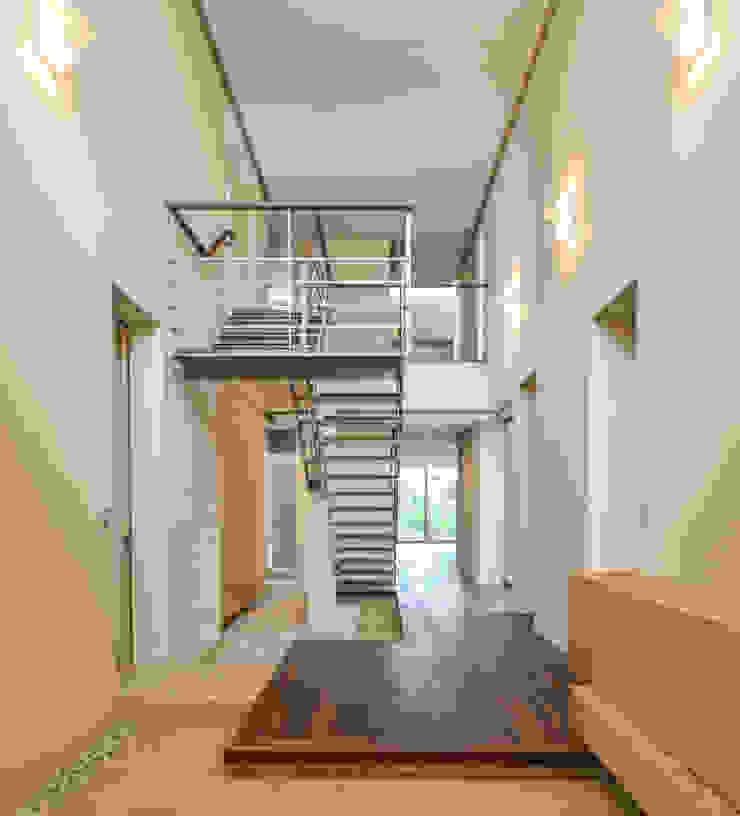 伊集院の住宅 モダンスタイルの 玄関&廊下&階段 の アトリエ環 建築設計事務所 モダン