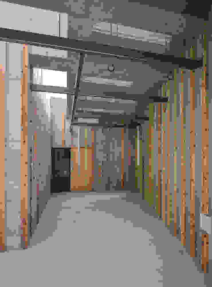 伊集院の住宅 モダンデザインの ガレージ・物置 の アトリエ環 建築設計事務所 モダン