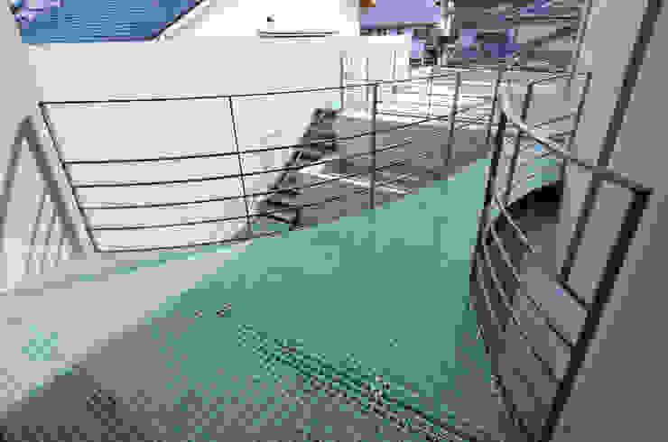 伊集院の住宅 モダンデザインの テラス の アトリエ環 建築設計事務所 モダン