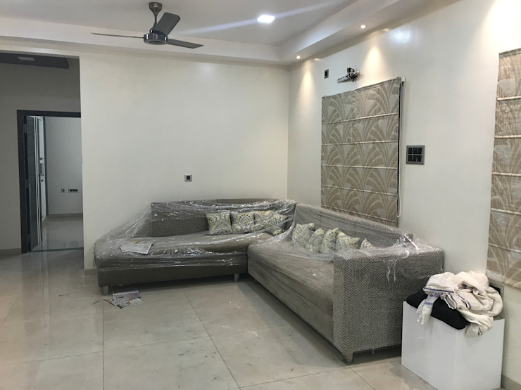 Luxury Interior Design 3 BHK Flat Minimalist living room by Nabh Design & Associates Minimalist Tiles