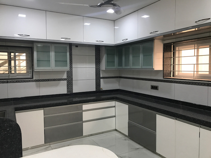 Luxury Interior Design 3 BHK Flat Minimalist kitchen by Nabh Design & Associates Minimalist