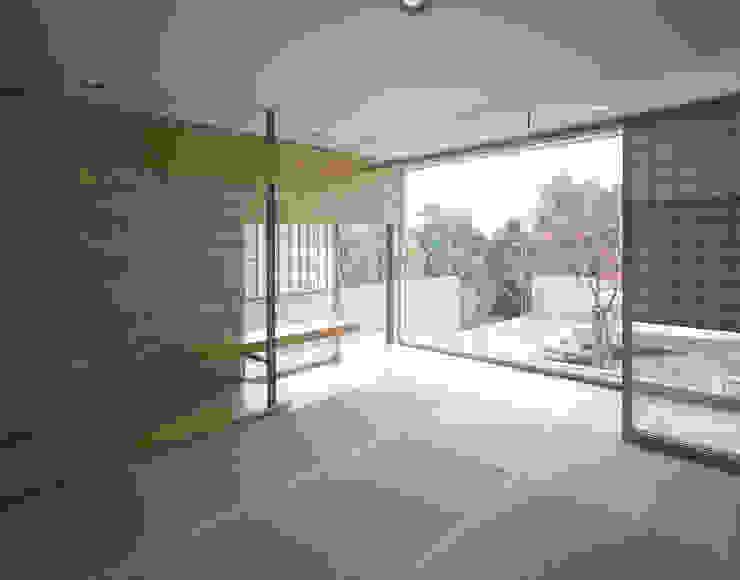 吉野町の住宅 アトリエ環 建築設計事務所 モダンデザインの 多目的室