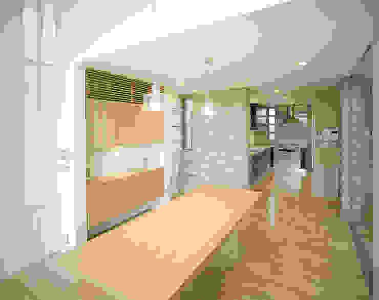 吉野町の住宅 アトリエ環 建築設計事務所 モダンデザインの ダイニング