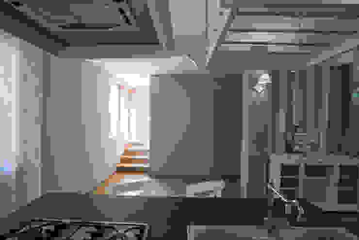 Appartamento Stile Shabby Chic Rustico T_C_Interior_Design___ Finestre & Porte in stile rustico