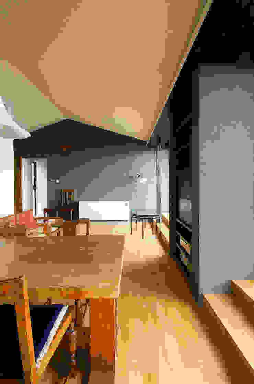 一級建築士事務所アールタイプ ห้องนั่งเล่น ไม้ Wood effect