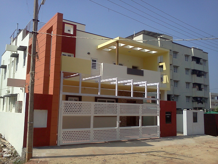 Mr. Sridhar's residence at Thanisandra Modern houses by SAHHA architecture & interiors Modern