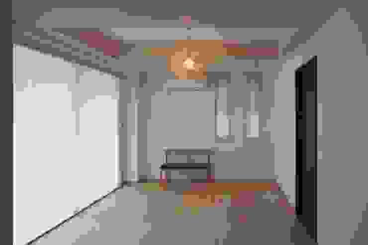 現代  by 水野建築研究所, 現代風