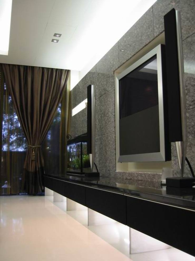 客廳 现代客厅設計點子、靈感 & 圖片 根據 云鼎設計/陳柏壽建築師事務所 現代風