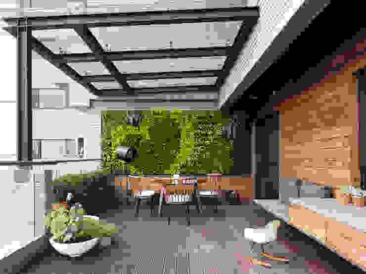 Moderner Balkon, Veranda & Terrasse von 禾築國際設計Herzu Interior Design Modern