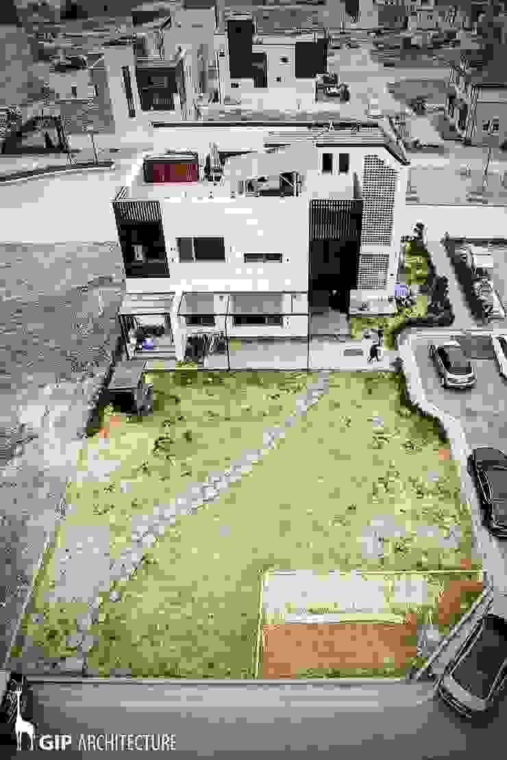 [GIP] White Cubic 모던스타일 주택 by GIP 모던