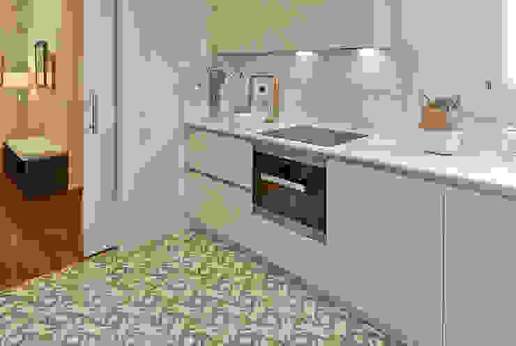 Dapur by THE ROOM & CO interiorismo