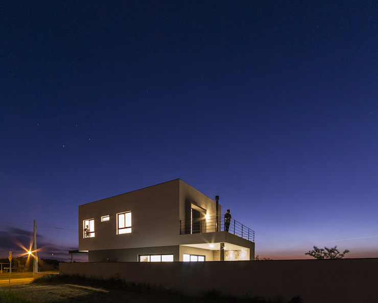 SG House Taguá Arquitetura Minimalist house White