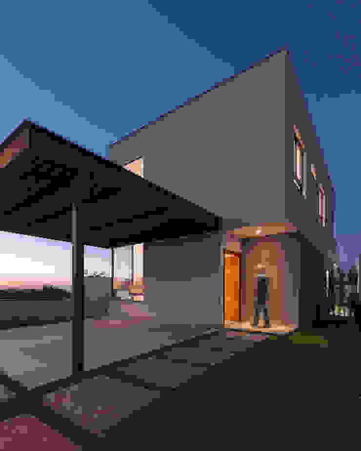 SG House Taguá Arquitetura Minimalist house