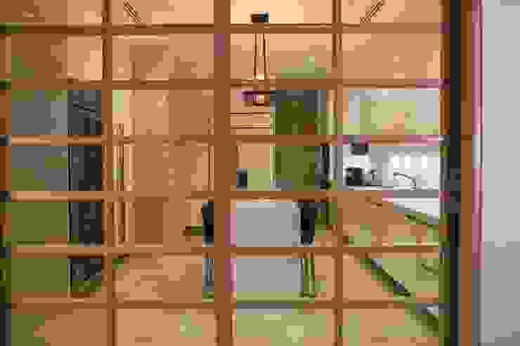 Rousseau Arquitectos Modern kitchen