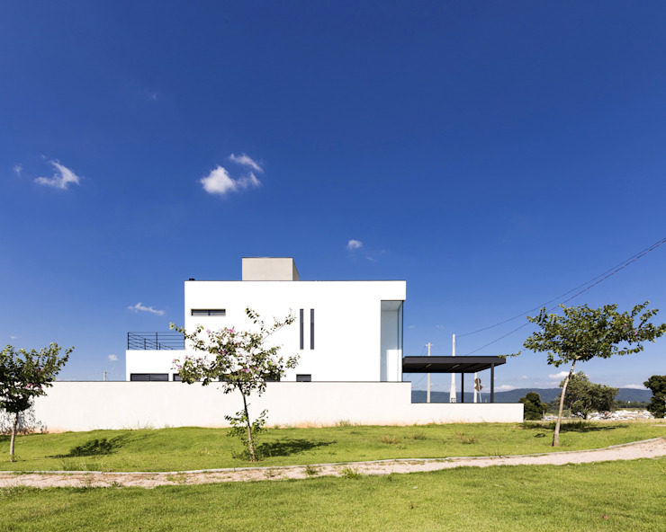 SG House Taguá Arquitetura Minimalist house Glass White