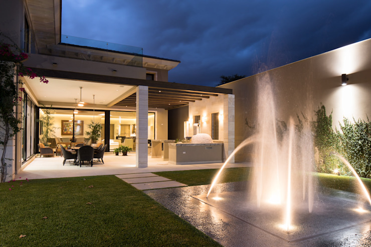 Rousseau Arquitectos Modern style gardens