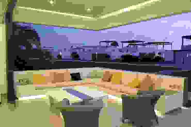 DMS Arquitectas Modern balcony, veranda & terrace