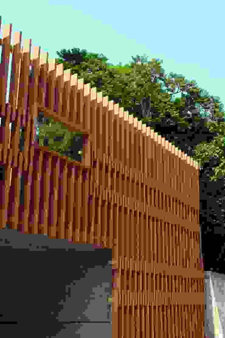 Galerías y espacios comerciales de estilo asiático de 云鼎設計/陳柏壽建築師事務所 Asiático