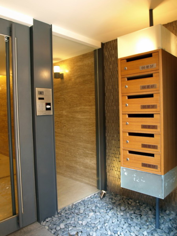 云鼎設計/陳柏壽建築師事務所 Corridor, hallway & stairsDrawers & shelves