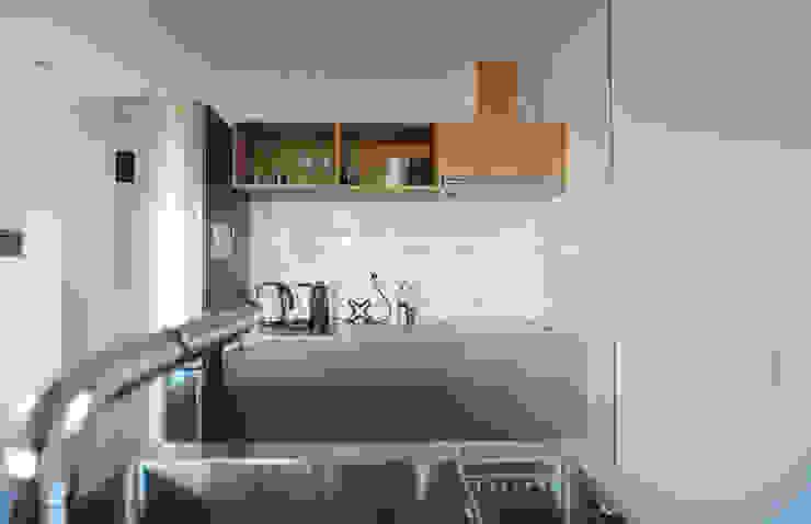 現代廚房設計點子、靈感&圖片 根據 bplusm 現代風