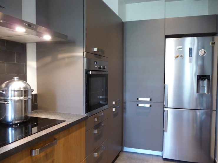 Classic style kitchen by LSAI Classic