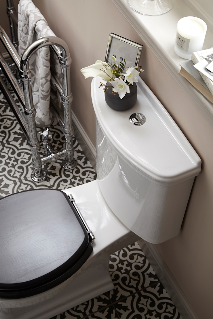 Claverton WC Classic style bathroom by Heritage Bathrooms Classic