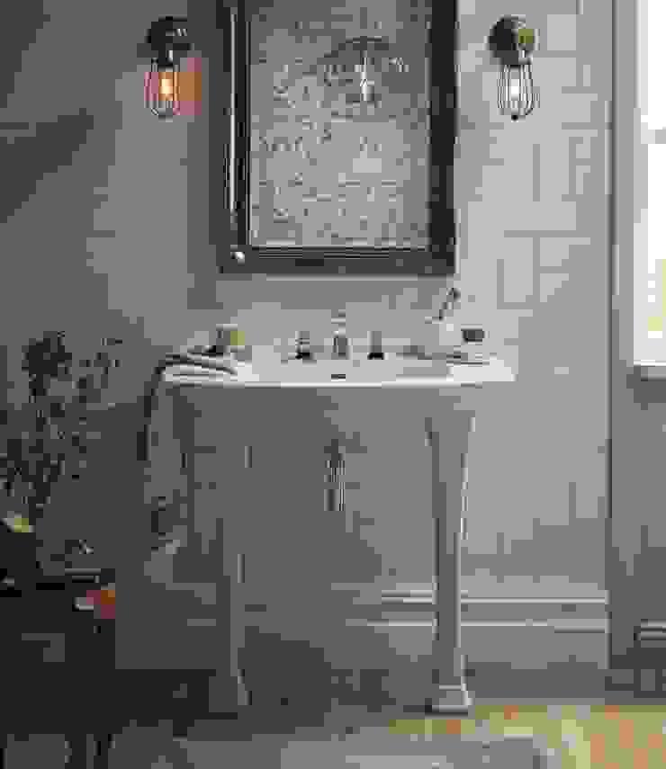 Blenheim console basin Baños de estilo clásico de Heritage Bathrooms Clásico