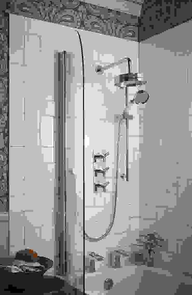 Hembsy shower Baños de estilo clásico de Heritage Bathrooms Clásico