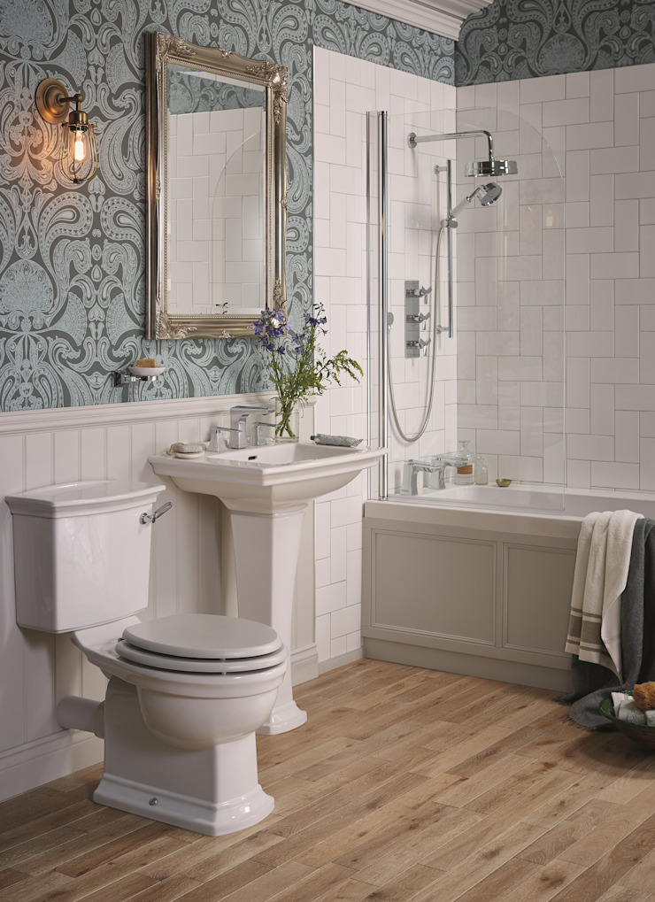 Blenheim suite Classic style bathroom by Heritage Bathrooms Classic