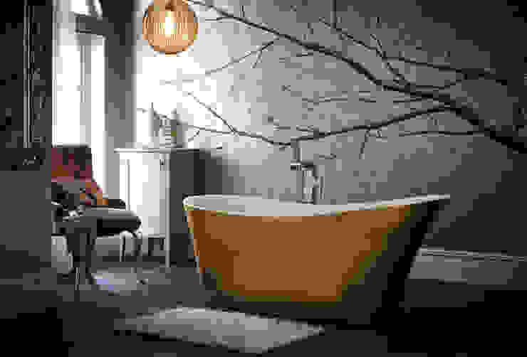 Holywell metallic effect acrylic bath Classic style bathroom by Heritage Bathrooms Classic
