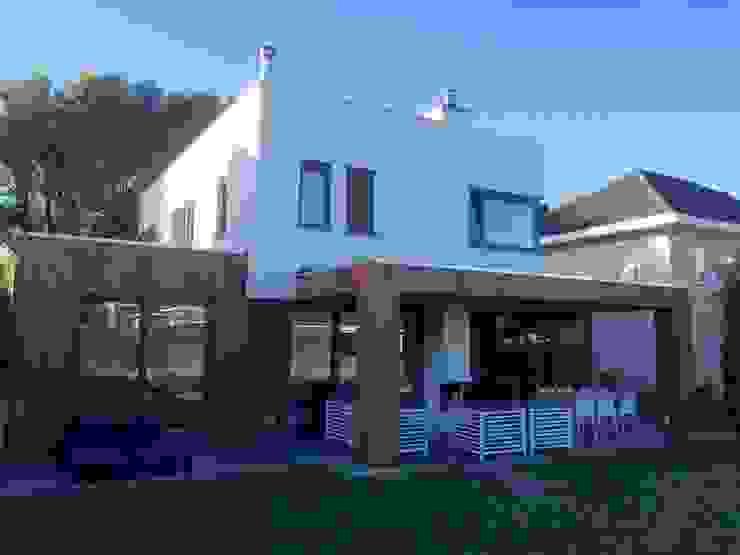 Moderne Häuser von Nico Dekker Ontwerp & Bouwkunde Modern Holz Holznachbildung