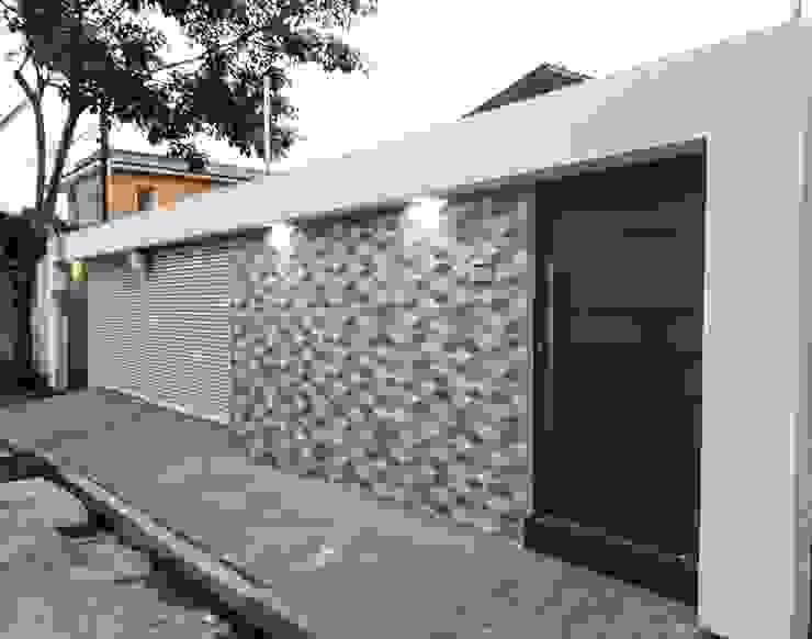 Rumah Modern Oleh TE ARQUITETURA Modern Keramik