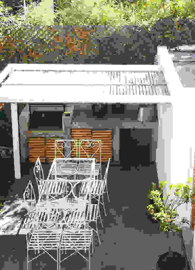 Quincho RENOarq Balcones y terrazas de estilo moderno
