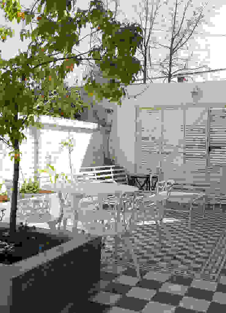 Varandas, alpendres e terraços modernos por RENOarq Moderno