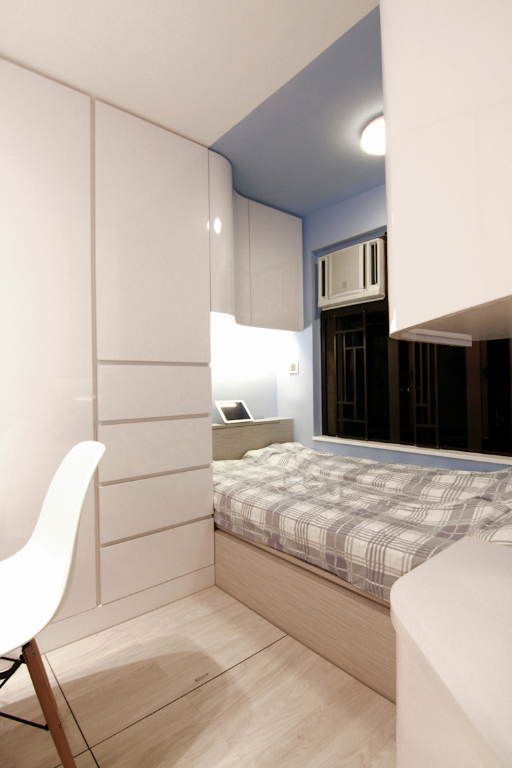 18 Renovation - 沙田穗禾苑 Modern style bedroom by Corner-S Architectural Design (Australia) Modern