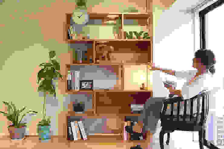 Living room by &lodge inc. / 株式会社アンドロッジ,