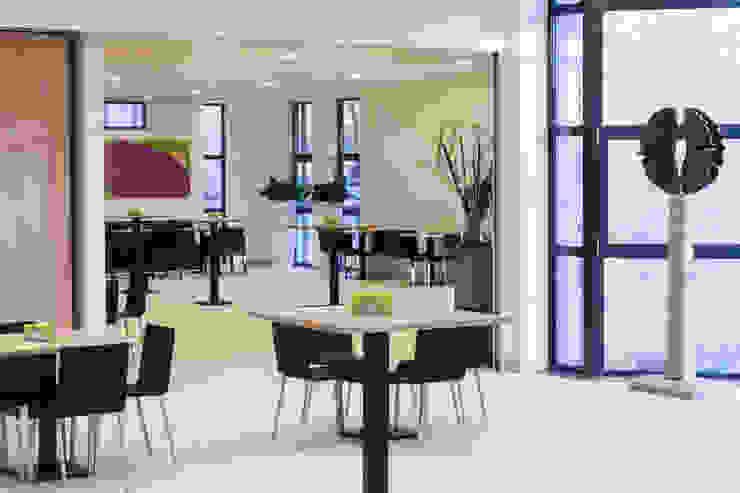 Ontvangsruimte St. Barbara, Utrecht Moderne gezondheidscentra van Bleeker Concepts Modern