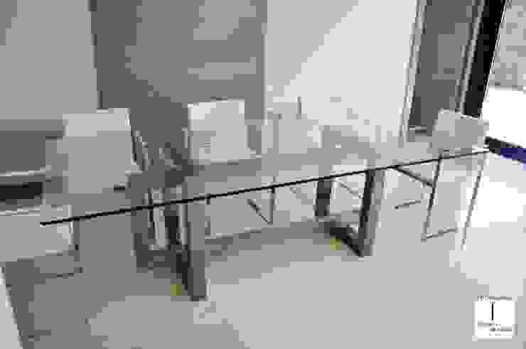 THASOS - Mesa de vidrio moderna de GONZALO DE SALAS Moderno