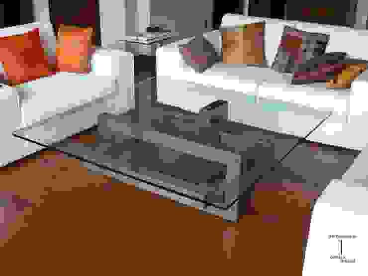 modern  oleh GONZALO DE SALAS, Modern