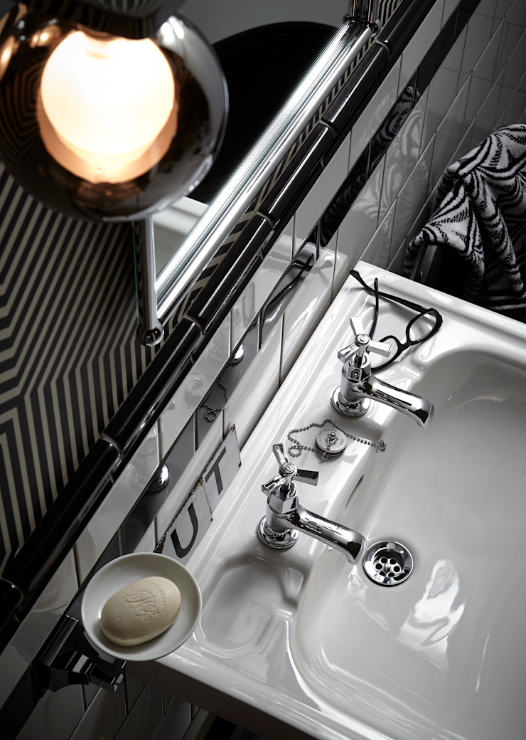 Gracechurch basin taps Classic style bathroom by Heritage Bathrooms Classic
