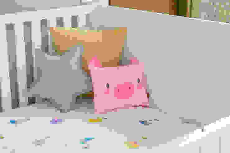 Cuarto de Hanna Habitaciones para niños de estilo escandinavo de Little One Escandinavo