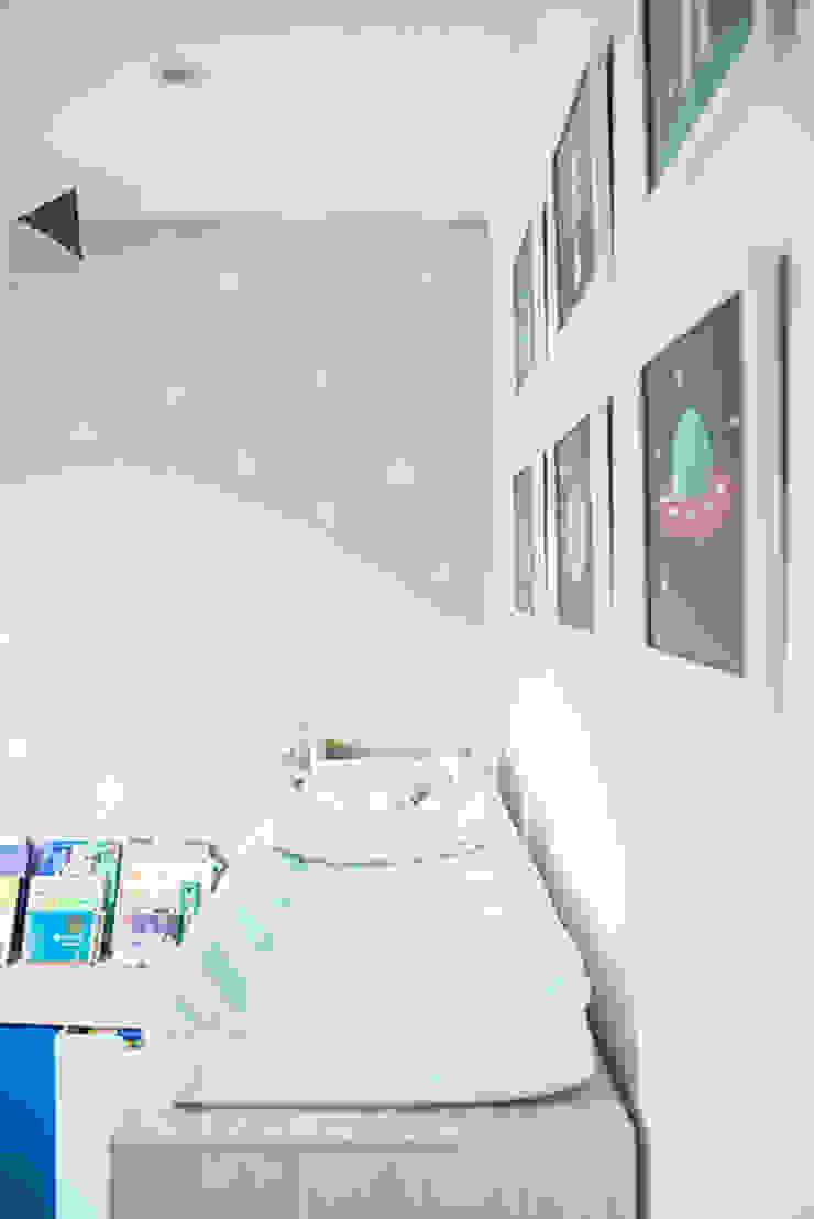 Cuartos infantiles de estilo escandinavo de Little One Escandinavo