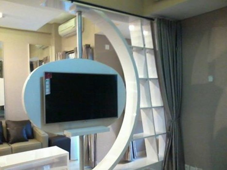 CV TRIDAYA INTERIOR Living roomTV stands & cabinets White