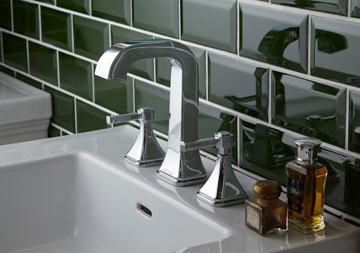 Somersby 3 hole basin tap Classic style bathroom by Heritage Bathrooms Classic