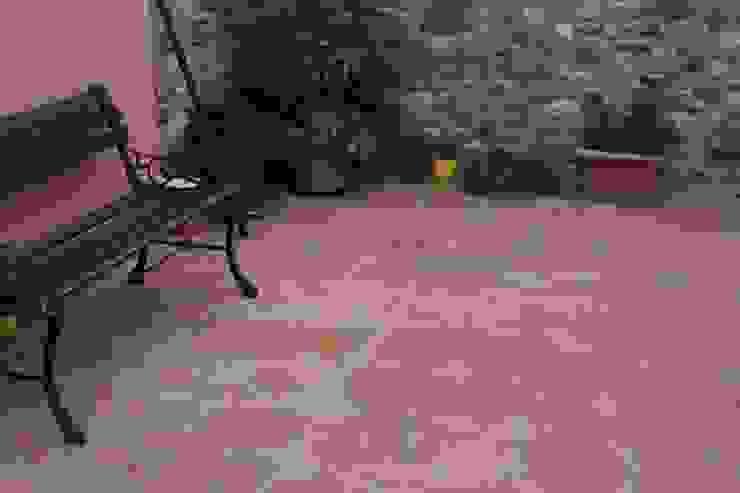Pavimento in Cotto Tuscany Art Pareti & Pavimenti in stile rustico Piastrelle