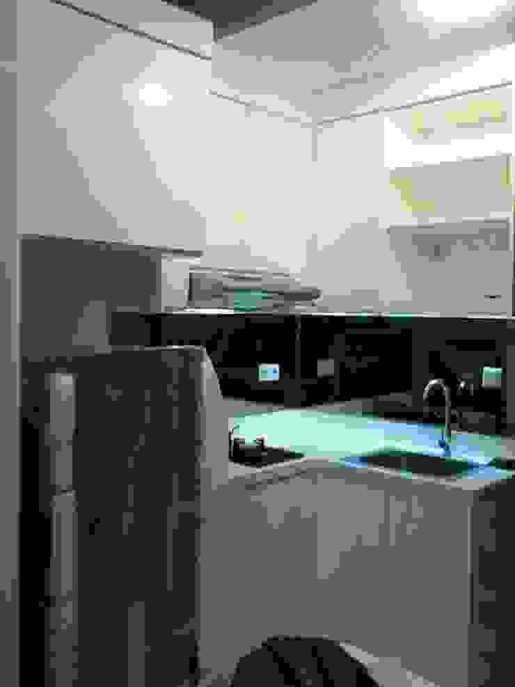 CV TRIDAYA INTERIOR KitchenKitchen utensils White