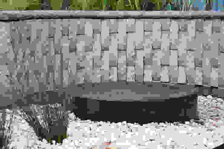 Jardines de estilo  de Acton Gardens