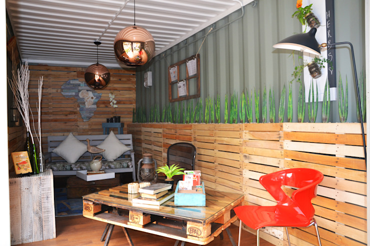 Garden cottage space inside container Industrial style living room by Acton Gardens Industrial